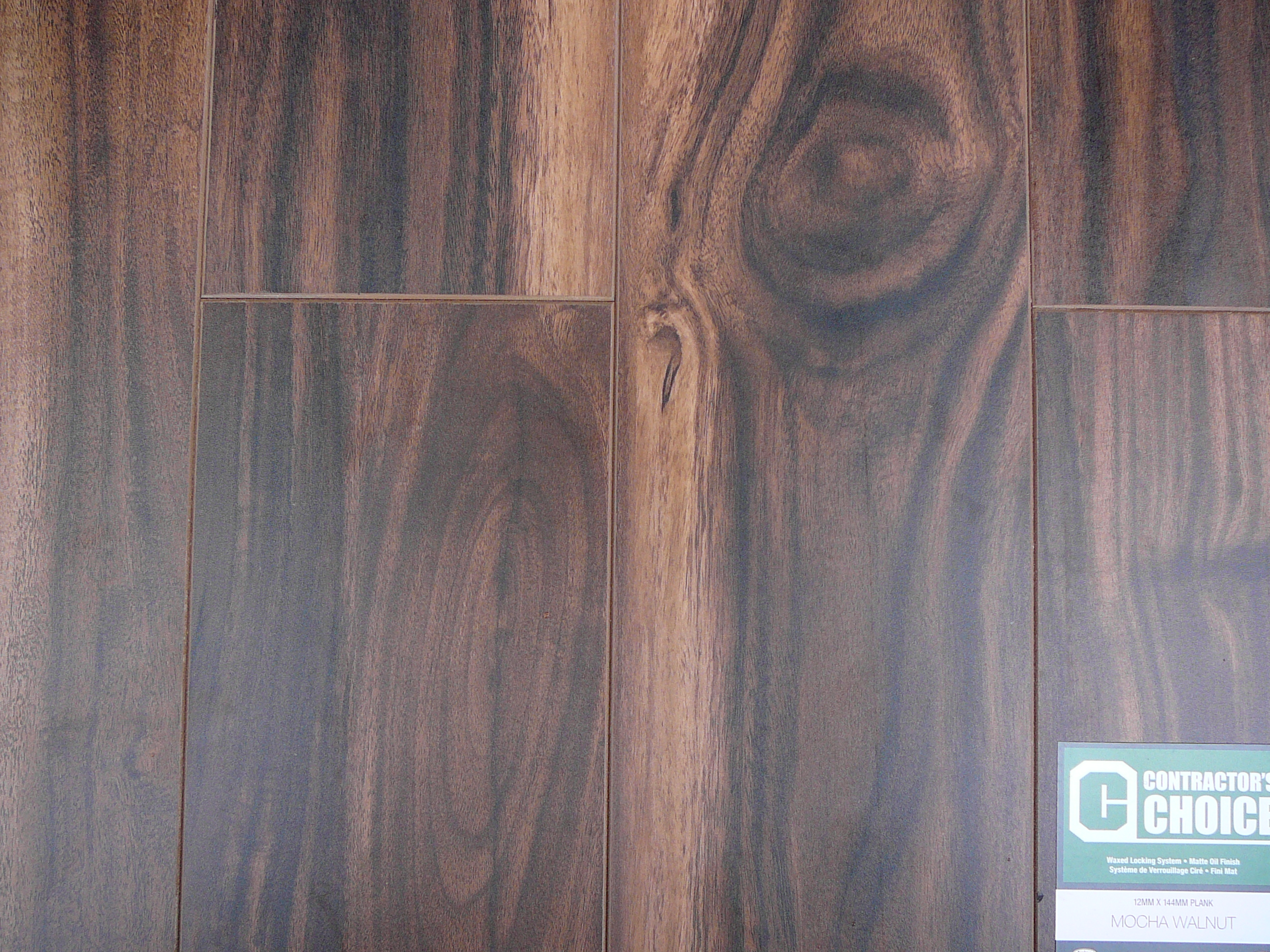 Golden select laminate floors ideakube magz for Golden select flooring dealers