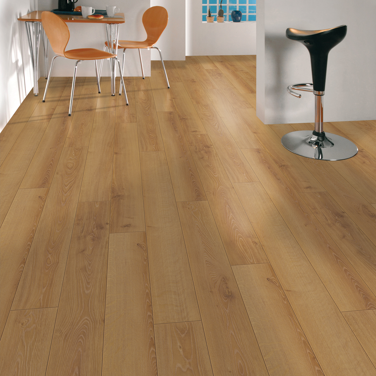 10mm ac5 studio essentials limerick laminate floors for Laminate flooring limerick